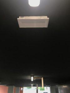 montáž systému núdzového osvetlenia na parkovisku