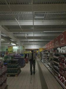 skúška núdzového osvetlenia v Tesco Žilina