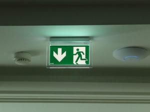 montáž systému núdzového osvetlenia EATON Nitra